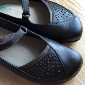 NAOT Mary Jane Style Shoes or Loafers Sz 40